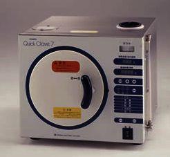小型オートクレーブ(高圧蒸気滅菌装置)